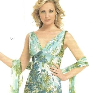 Green Printed Gown Multicolored w/ Included Shawl